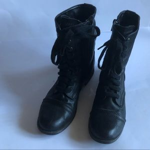 Women's SO combat boots vegan leather size 7.5